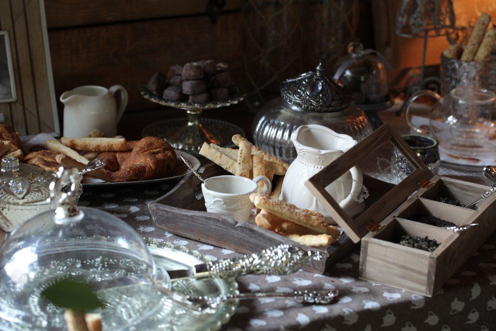 Посуда для чайного или Candy bara. Цена комплекса =6000 руб;