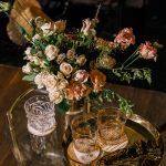 Набор золотой (столик на колесиках с посудой) в стиле Гэтсби. Цена проката набора=4 000 руб