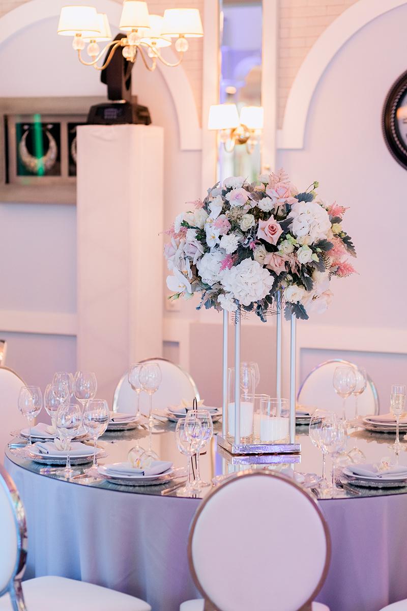 Живая Флористика на столах гостей