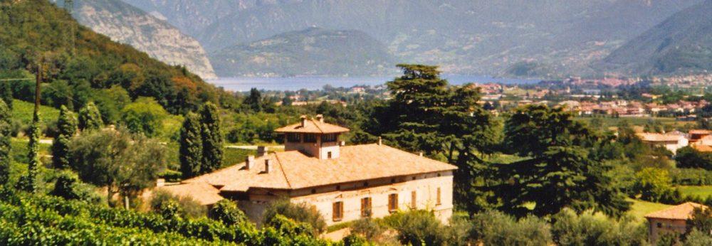 Palazzo-Torri-con-paesaggio-1155x400