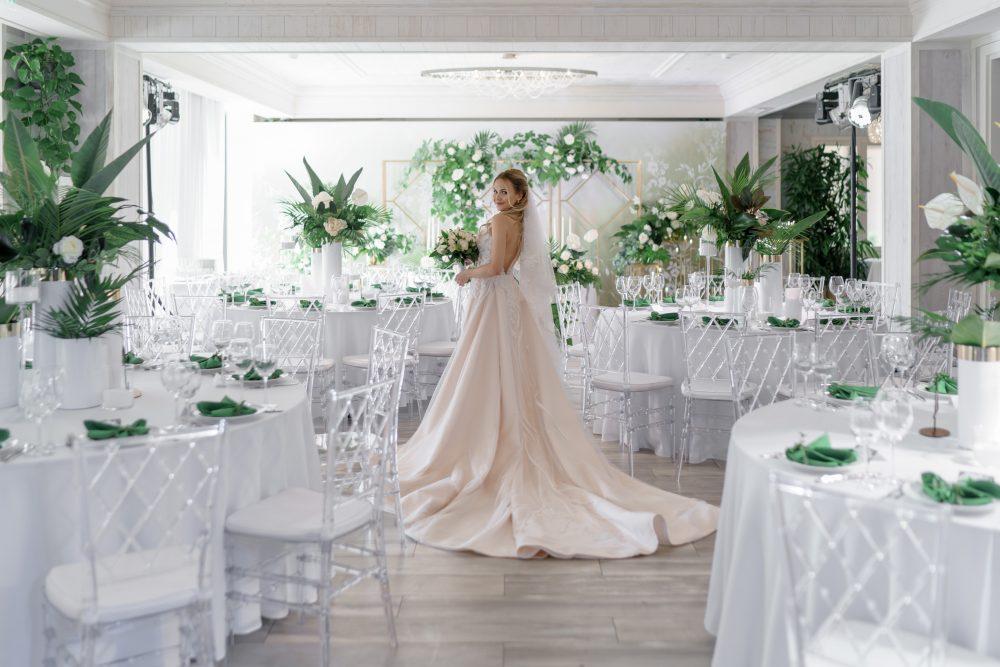 Невеста свадебный букет