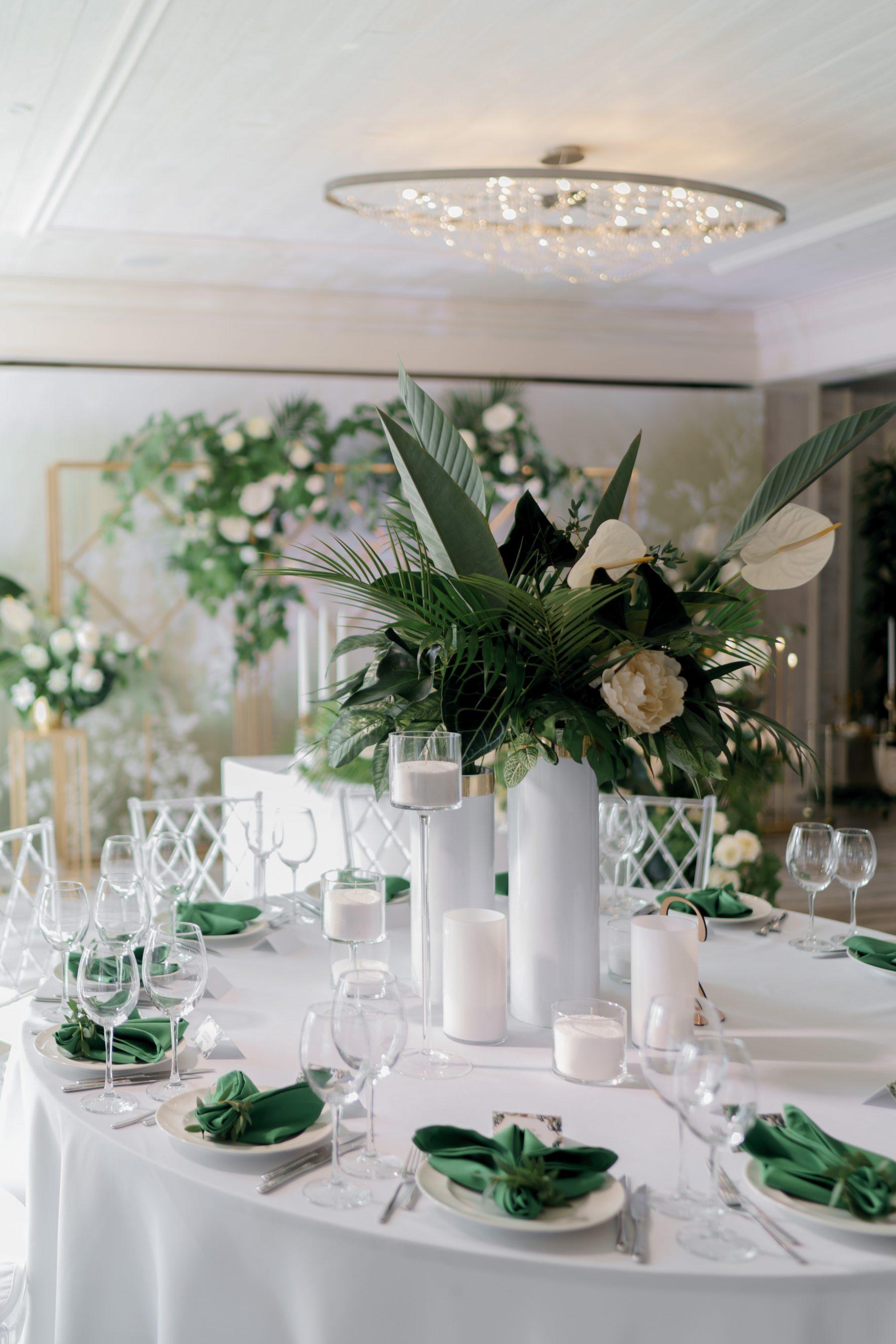 Свадебная рассадка сервировка стола на свадьбу