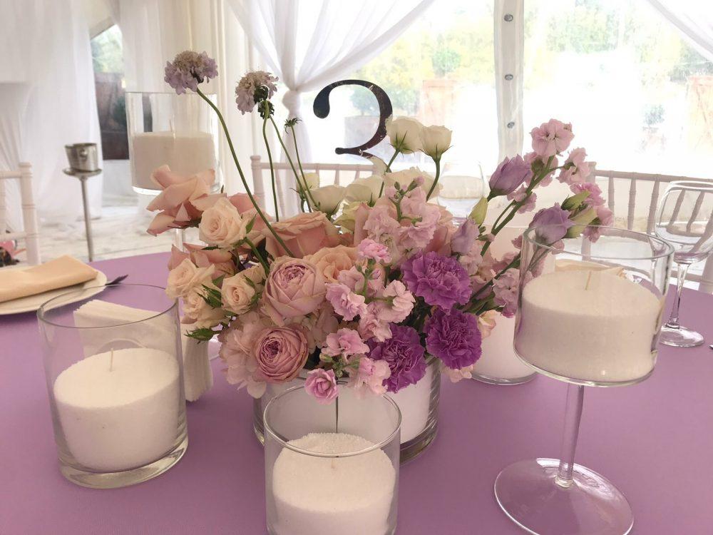 Сервировка стола свечи на свадьбу живые цветы